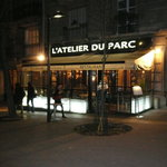 Night view of L'Atelier du Parc