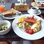 朝食。ソフトなオムレツをリクエスト。