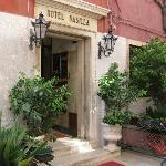 Hotel Basilea entrance