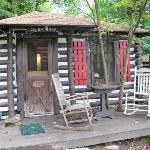 Log Cabin Motor Court Foto