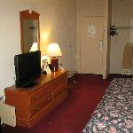 Room Amenities - Days Inn BGR