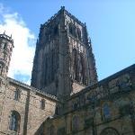 الكاتدرائية الشهيرة أشهر مثال للكاتدرائيات على الطراز النورماندي