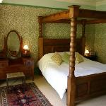 Tinto Bedroom with Four Poster