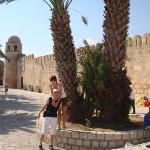 Susas - Medina (uz sienos arabiskas turgelis)