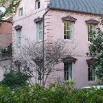 pink house restaurant exterior