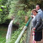 Una de las12 cascadas de Silverton Oregon, Papá y mamá