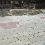 宇豆柱が埋まっていた位置を示す赤い丸