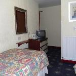 Twin Room (en-suite)