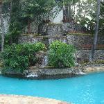 水の循環のよくきれいなプール