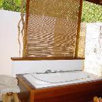 La salle de bain à ciel semi - ouvert