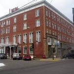 The Lowe Hotel Picture