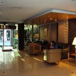 3 Hotel Libertador- Rosario- Lobby- sector vista a la calle