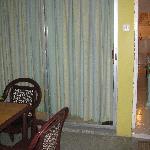 1 Bdrm with Kitchenette-room J10 outside