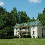 The Mountain Rose Inn - A Blue Ridge Mountains B&B
