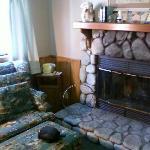 Cozy living room w/ fireplace