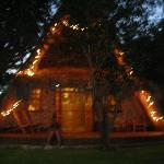 Lo chalet by night