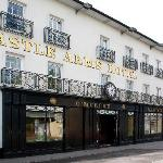 Castle Arms Hotel