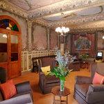 Salone interno con affreschi originali