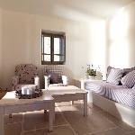 Photo de Themonies Luxury Suites