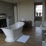 The en-suite bathroom to the Superior Suite