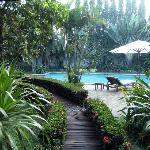 accès a la piscine