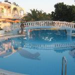la piscina dell'hotel garden
