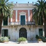 Villa di fine ottocento, prospetto principale