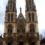 Façade principale de l'église Saint-Léon