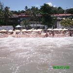 La spiaggia ed il resort dal mare