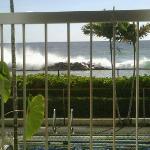 I really enjoy the sound of crashing waves