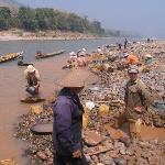 Mekong gold panning