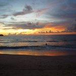 Un autre merveilleux coucher de soleil sur la plage...