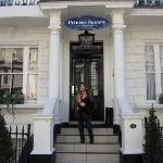 This is our hotel at Prince´s Square in London.