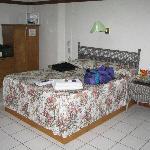 Bedroom - spacious & clean