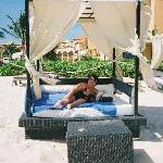 comfortable beach beds