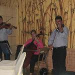 The entertainment at El Romantico