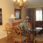 one bedroom, livingroom