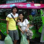 the tuk tuk that will take you to chatucak market for free