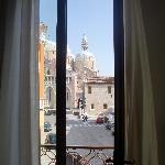 Der Blick aus unserem Zimmer auf die Basilika