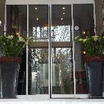 Blumen am Eingang