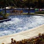 piscine avec jets d'eau