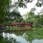 Huc Bridge over Hoan Kiem Lake to Ngoc Son Temple - Hanoi