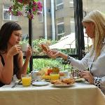 Roma Hotel  breakfast