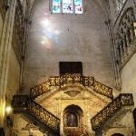 La Escalera Dorada.