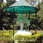 Statue in Botanical Garden