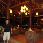 En el lobby del Phi Phi Island Village