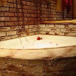 Luxury Suite D en-suite Bathroom with Spa
