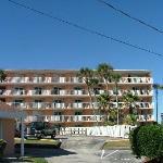 Coral Sands Motel next door to cottages