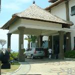Entering Dreamland Villa