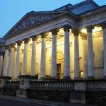 The Fitzwilliam Museum at night